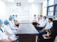 省卫健委领导肖明龙一行在中国医师节来临之际慰问我院医务工作者