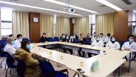 院党委书记刘文深入临床科室调研