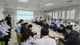 副院长左石率省专家组到六盘水市和安顺市人民医院督导医疗质量控制